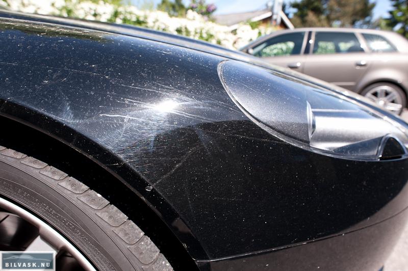 Aston Martin forskærm inden polering