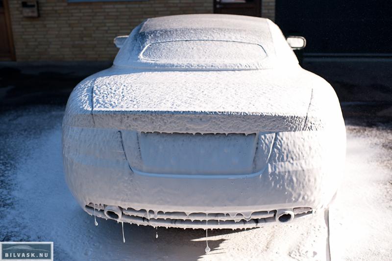 Forvask af Aston Martin inden bilvask
