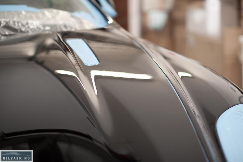 Aston Martin efter polering af front