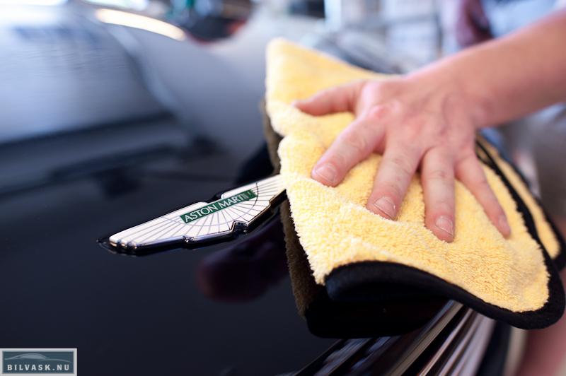 Microfiber klud med kantbånd bruges til og tørre efter med