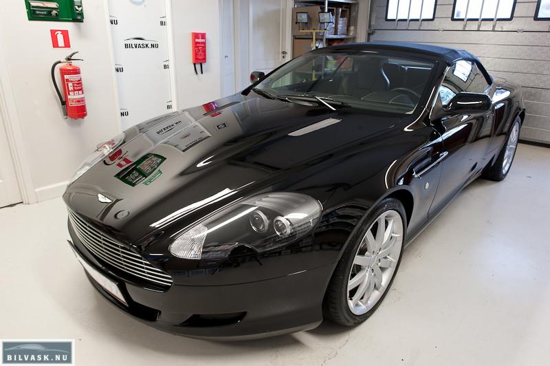 Aston Martin forfra efter Karma Car Care polering