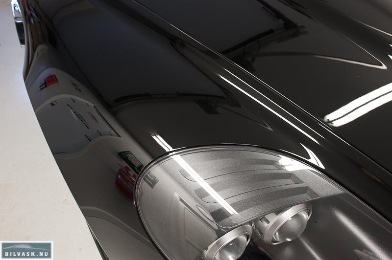 Aston Martin forskærm efter Karma Car Care polering