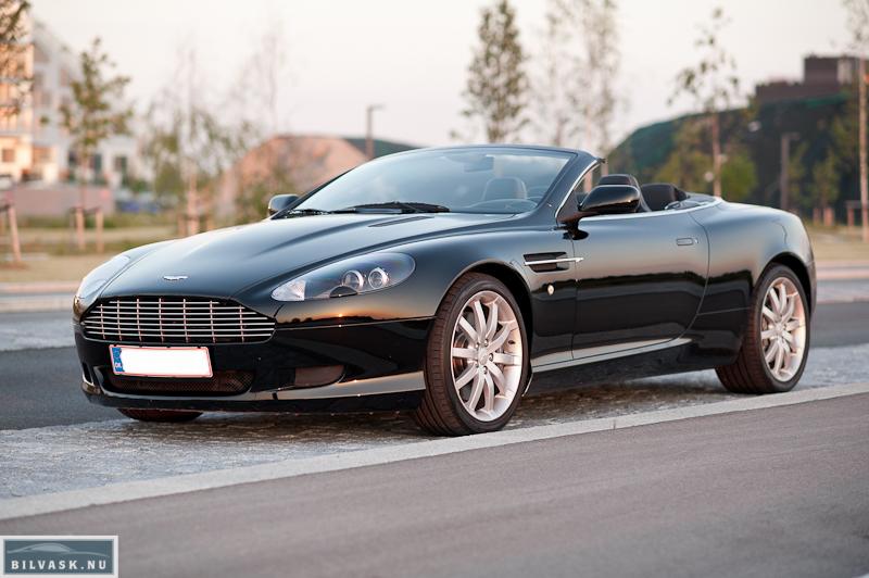 Aston Martin skråt fra siden efter Karma Car Care polering