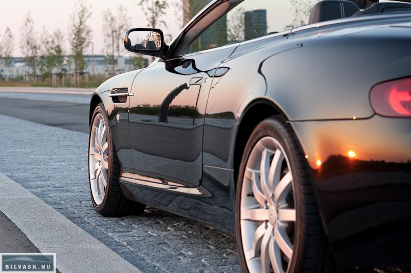 Aston Martin føre siden efter Karma Car Care polering